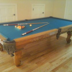 TOURNAMENT SIZE POOL TABLE