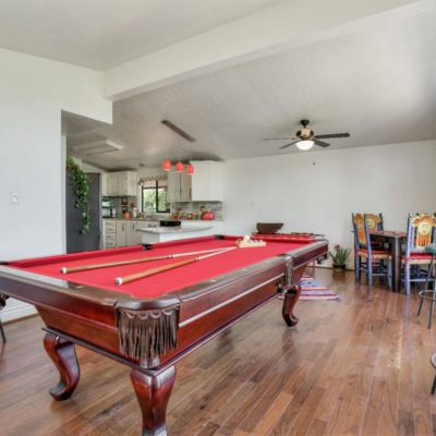Gorgeous 8ft Red Felt Pool Table $800.00